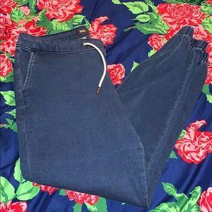 Capri Jogger Jeans